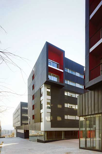 emba_sc2-volpelleres-center-mixed-use_02-420x630